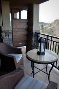 One Bedroom Valley View Suite